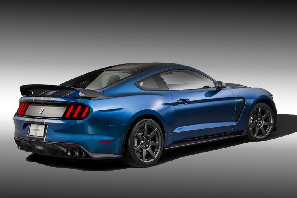 Трековый Ford Mustang Shelby GT350R 2015